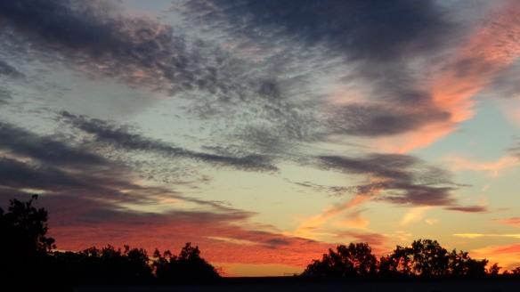 Amazing Sonnenaufgang mit Chemtrails in Berlin 30.08.2015_01