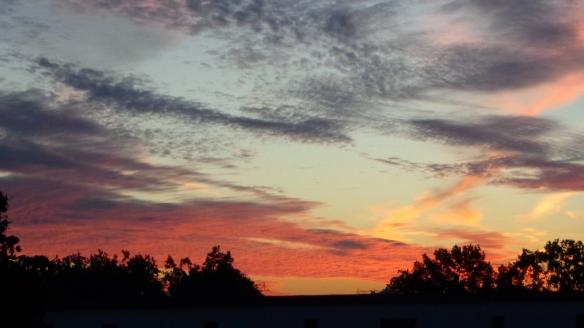 Amazing Sonnenaufgang mit Chemtrails in Berlin 30.08.2015_03