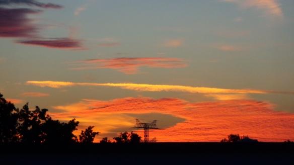 Amazing Sonnenaufgang mit Chemtrails in Berlin 30.08.2015_04