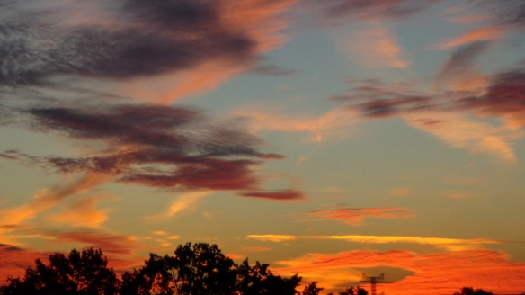 Amazing Sonnenaufgang mit Chemtrails in Berlin 30.08.2015_05