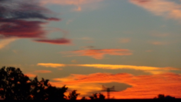 Amazing Sonnenaufgang mit Chemtrails in Berlin 30.08.2015_06