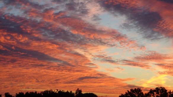 Amazing Sonnenaufgang mit Chemtrails in Berlin 30.08.2015_22