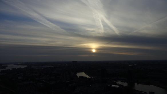 Chemtrails Blick vom Euromast Rotterdam 15.05.2015_12
