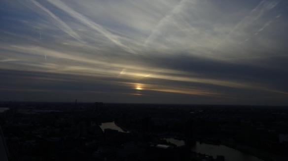 Chemtrails Blick vom Euromast Rotterdam 15.05.2015_20