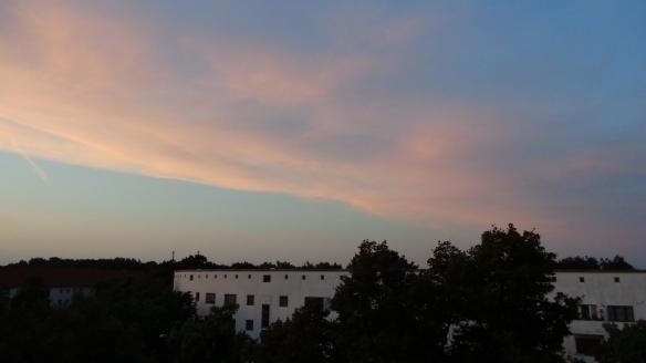Chemtrails im Morgengrauen Berlin 20.08.2015_01