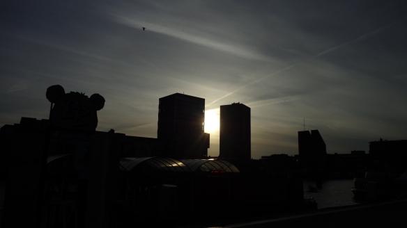 Chemtrails zur Dämmerung Rotterdam 15.05.2015