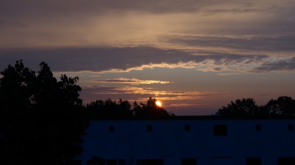 Sonnenaufgang Chemtrails Berlin 14.07.2015_15