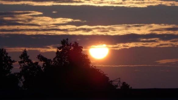 Sonnenaufgang Chemtrails Berlin 14.07.2015_24