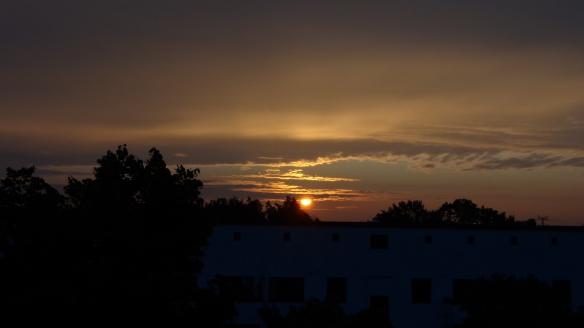Sonnenaufgang Chemtrails Berlin 14.07.2015_26